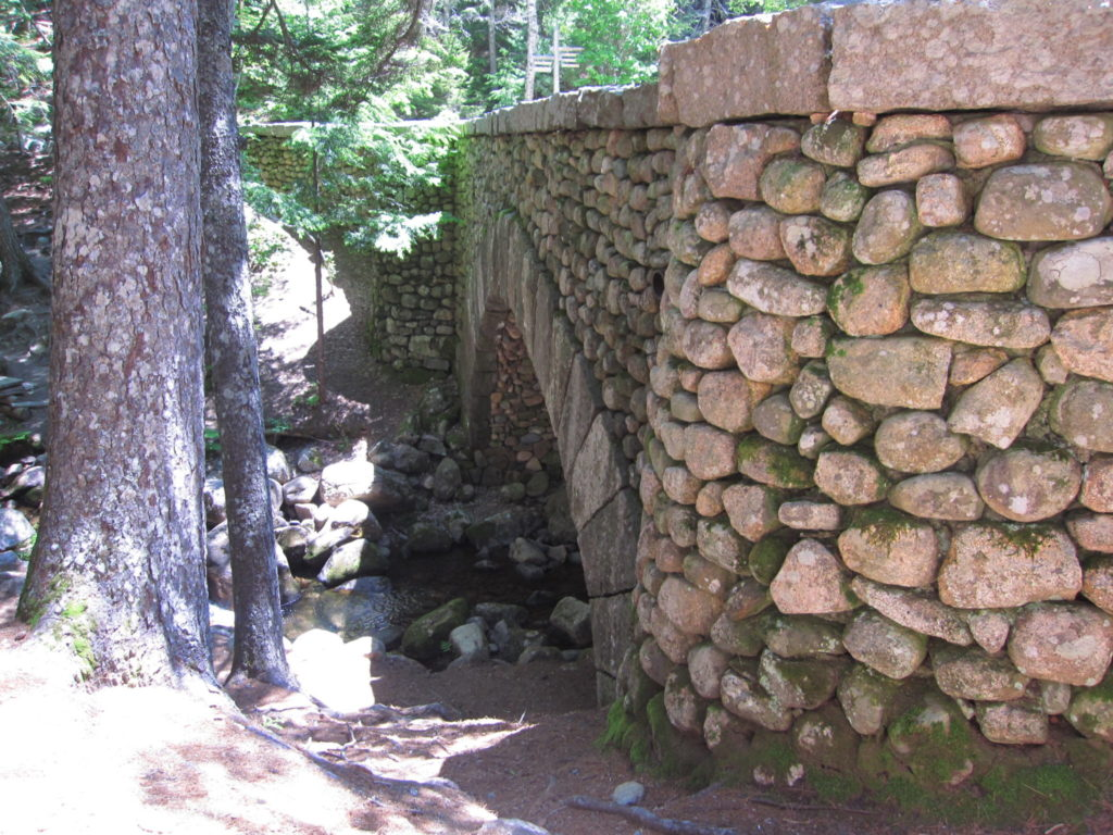 Acadia: Cobblestone bridge from side