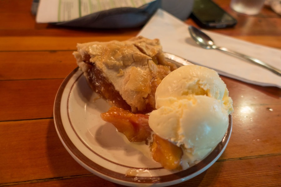 Crater Lake: Peach Pie from Beckie's Cafe