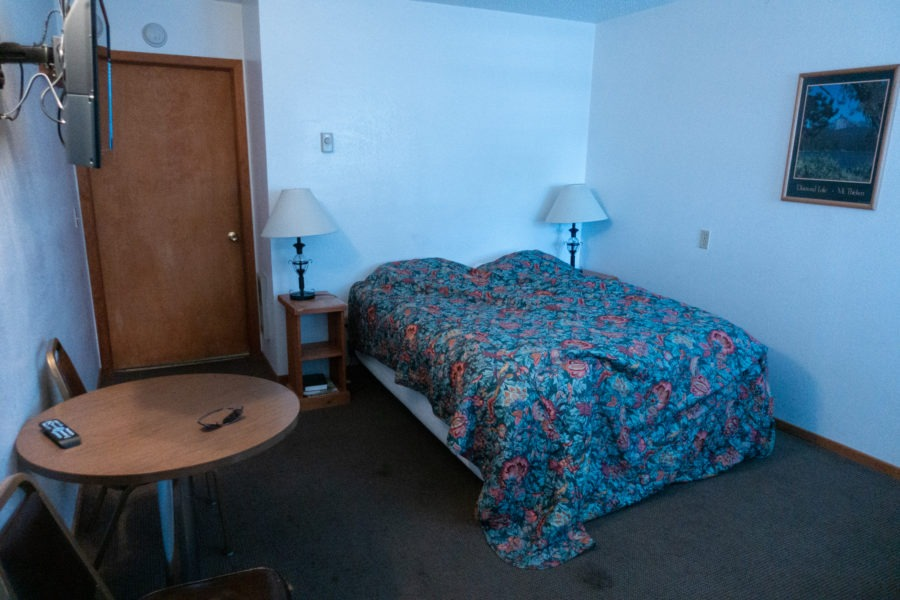 Crater Lake: Diamond Lake Resort Motel Room