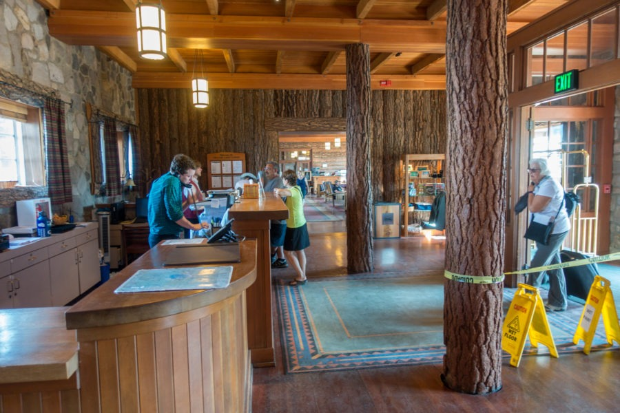 Crater Lake: Lodge Lobby
