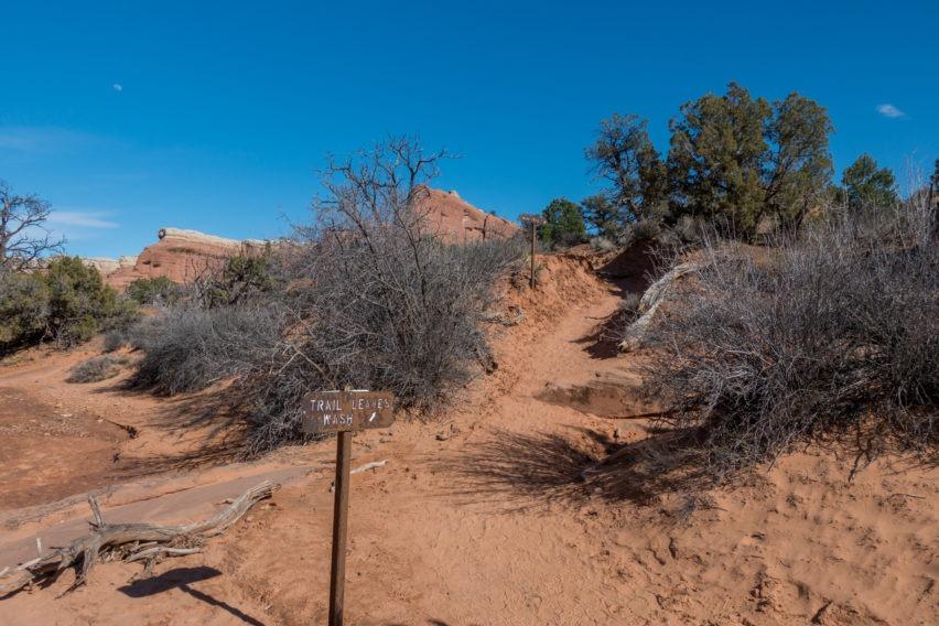 Arches: Primitive Trail Leaving Wash
