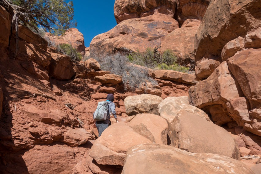 Arches: Hiking Around Rocks in Fiery Furnace